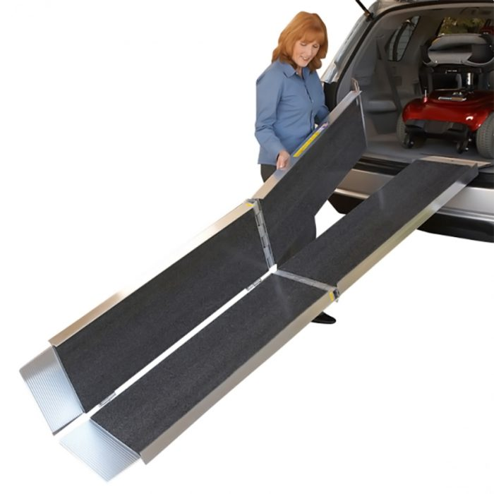 Access ramp which folds at three points